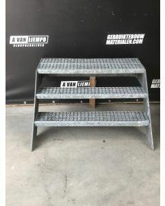 Stalen / Gegalvaniseerde Trap, 102 B x 100 D