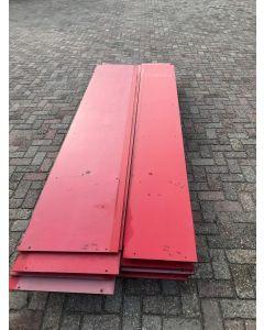 HPL / Trespa Plaat (Rood) ±305 x 59 cm - Dikte: 8 mm.