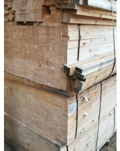 Geschaafde (vuren) houten balk, 6 B x 120 L x 3 D